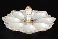 Поднос для яиц с рукой Queen's Crown Корона Мадонна перламутр 21 см